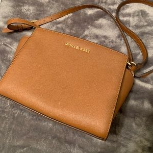Michael Kors Selma Medium Saffiano Crossbody Bag